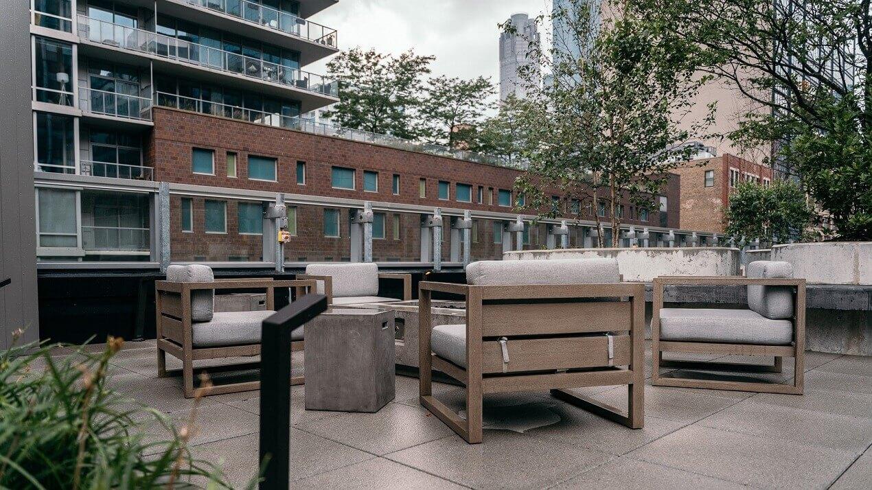 South Loop Apartment Outdoor Amenities